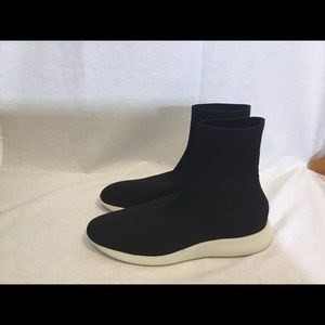 Vince Adora black knit slip on sneaker boots 7.5